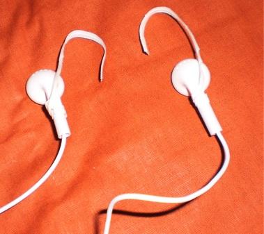 headphones-ties-over-ear